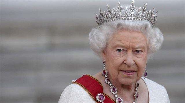 Доходы королевы выросли в два раза