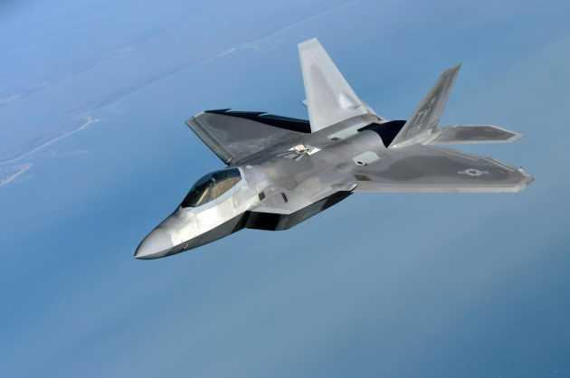 """Rusiyanın ən yaxşı qırıcısı """"F-22 Raptor""""a uduzdu"""