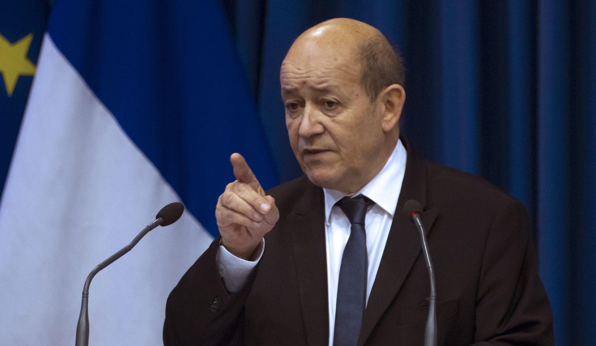 Fransız nazirdən Trampa: Bizi rahat burax!
