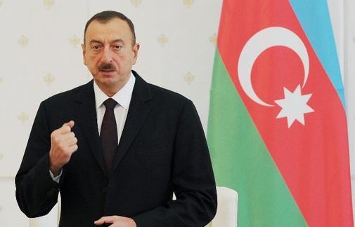 Президент: Азербайджан сражается сам