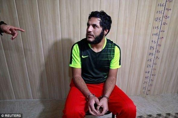 """İŞİD üzvü: """"500 adam öldürdük, 200 qadını..."""" - Foto"""