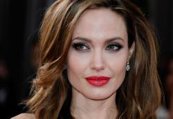 Анджелина Джоли была обнаружена без сознания
