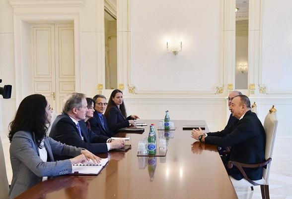 Ильхам Алиев принял делегацию США