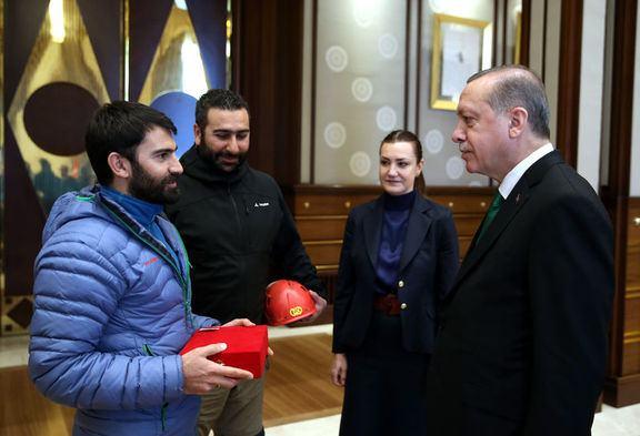آلپینیستلردن اردوغانا خصوصی هدییه - فوتو
