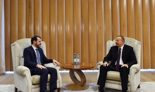 Ильхам Алиев встретился с турецким министром