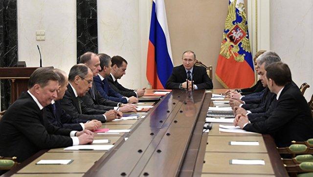 Путин провел оперативное совещание Совбеза