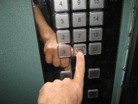 Bakıda quraşdırılan yeni liftlərin qiyməti açıqlanıb