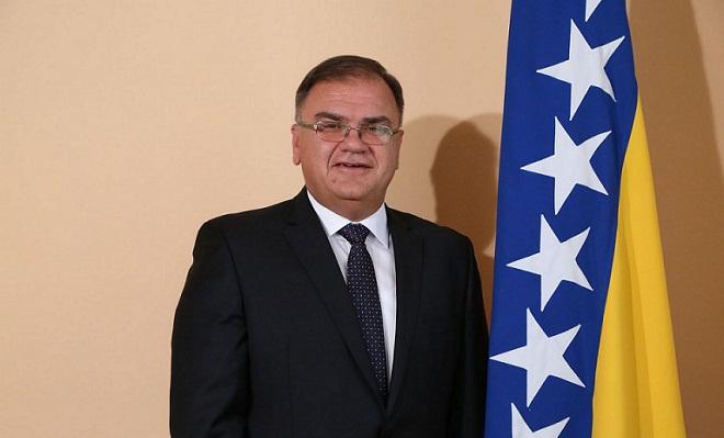 بوسنییا دؤولت باشچیسی باکییا گلیر