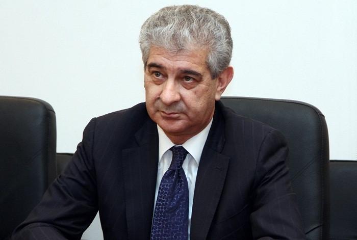 Əli Əhmədov Əli İnsanovdan nələr yazdı?