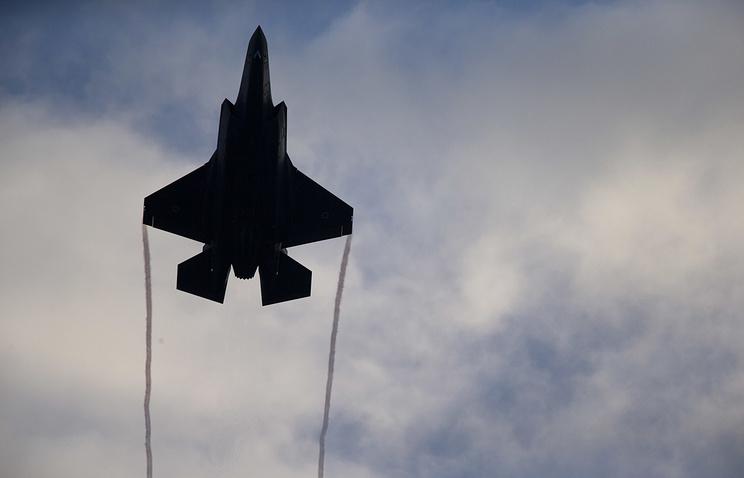 Турецкий F-35 в небе - Видео