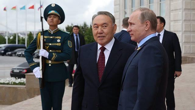 Назарбаев звонил Путину за несколько часов до отставки