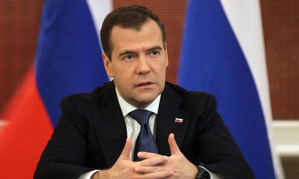 Европа устала от США - Медведев