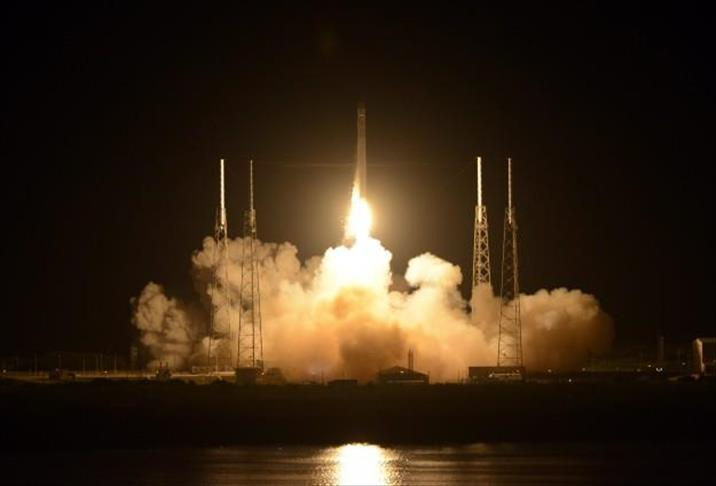 SpaceX launches 4-astronaut team on NASA space mission