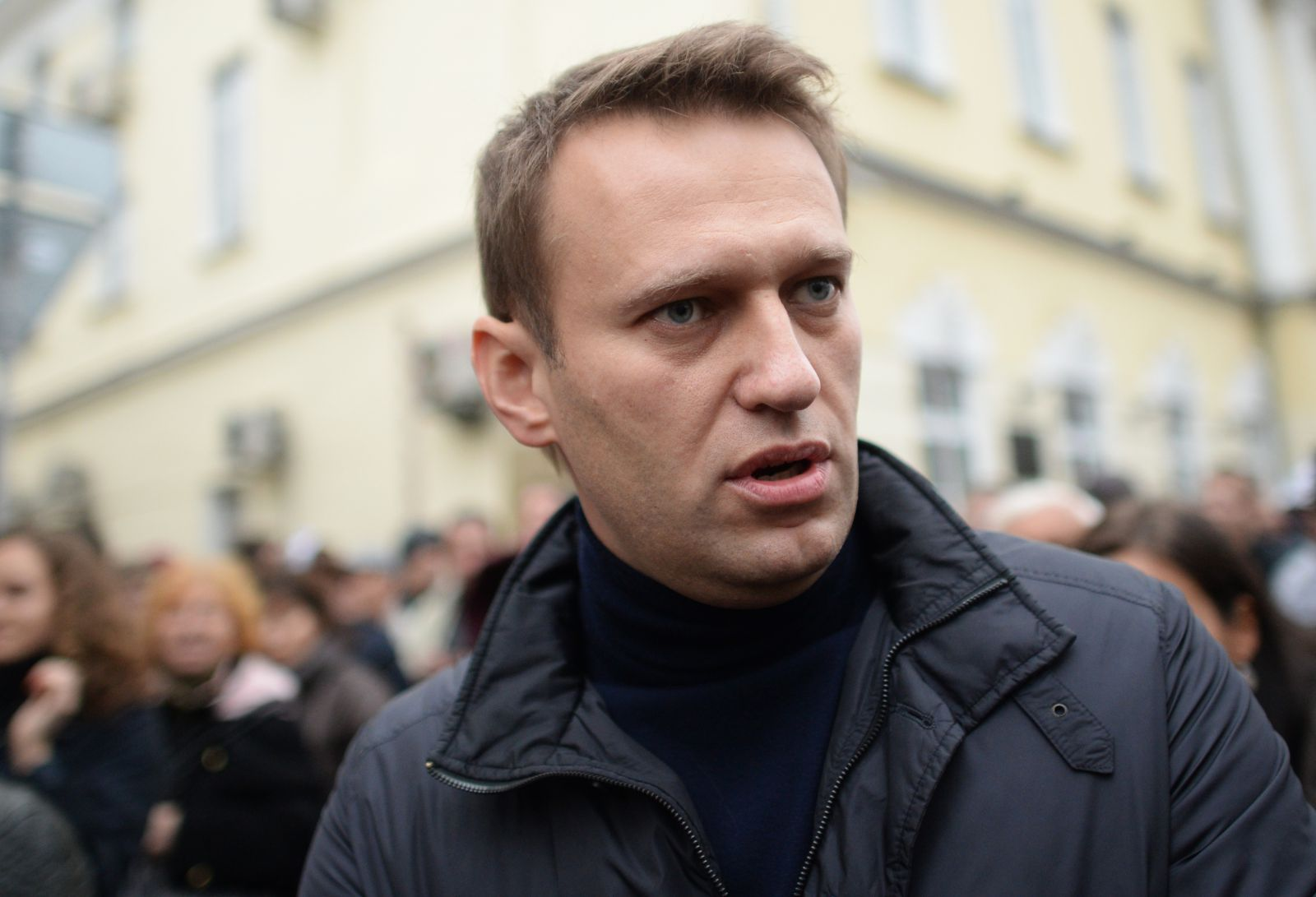 Navalny was detained at the airport in Russia