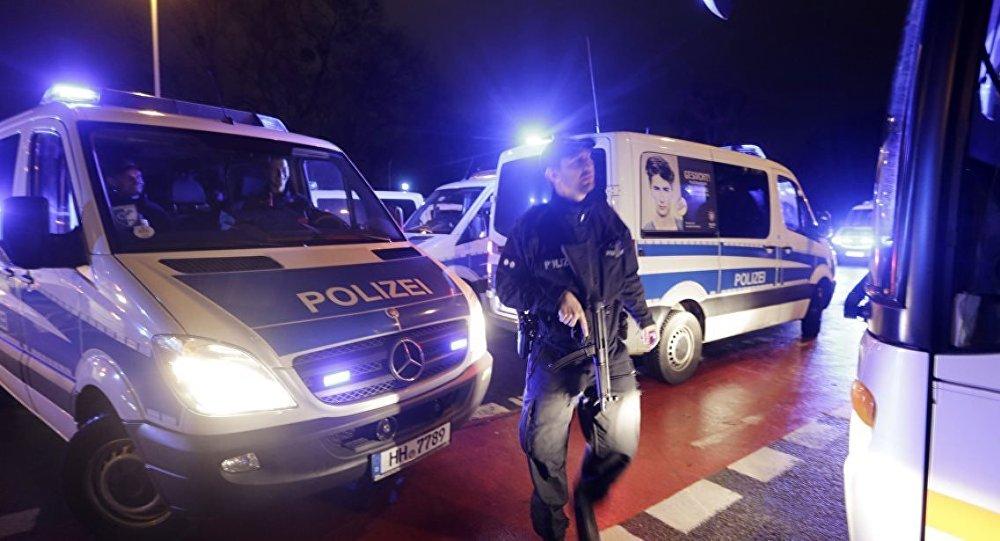 """""""Mersedes"""" insanların üzərinə sürüldü: 30 yaralı var"""