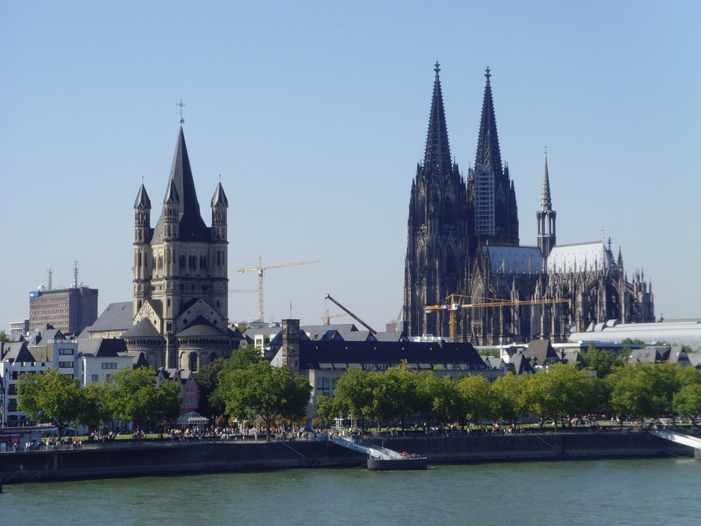 Almaniyada erməni abidəsi ilə bağlı - Skandal