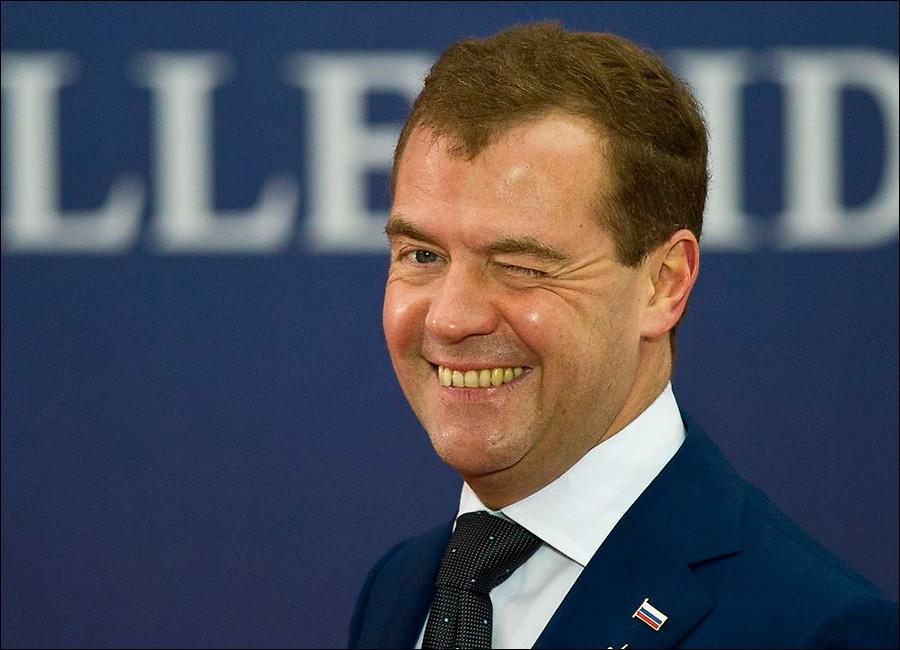 Medvedyev Putini satdı: