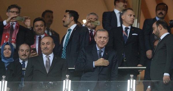 اردوغان ایستادیوندا، تورکییه قالیب گلدی - فوتو