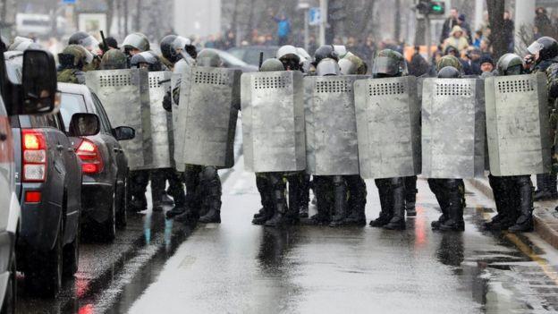 Minskin mərkəzinə xüsusi texnika yeridildi