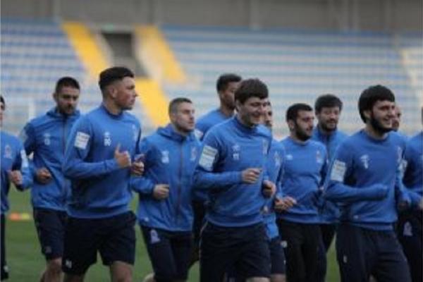 آذربایجان میللیسینین عضولرینه ۱۰۰ مین ماناتلیق - موکافات