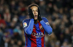 Neymar could be back on Sunday, says PSG coach