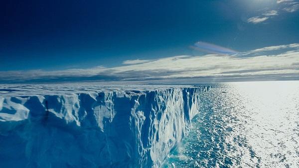 Şimal Buzlu okeanında buzlər əriyəcək