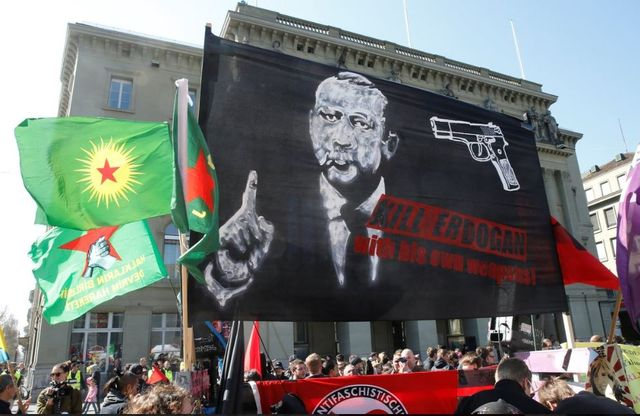 ایسوچره «اردوغانی اؤلدورون» امرینه ایستینتاق باشلاتدی