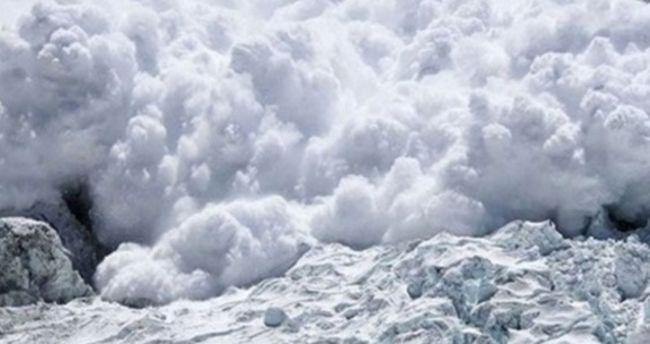 Himalayda qar uçqunu – Füsunkar görüntülər