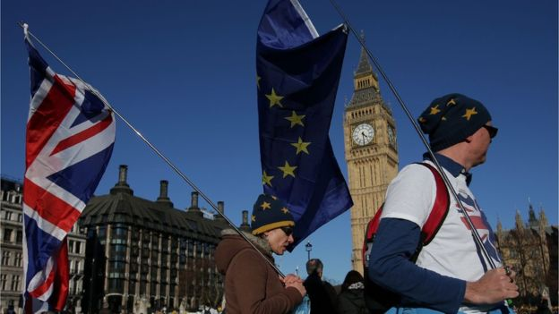 Massive hits London as protesters demand Brexit referendum -
