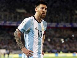 Месси извинился за ругань в матче с Чили