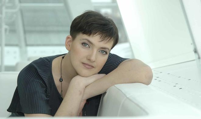 Савченко удивила коротким платьем - Фото