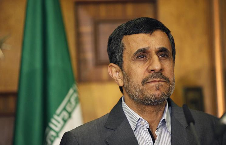 احمدینژاد: «آمئریکا یئنی محاربهیه باشلاییر»