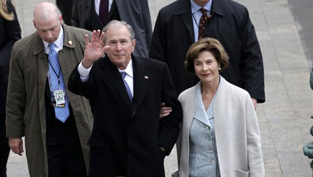 """Буш назвал речь Трампа """"чушью"""""""