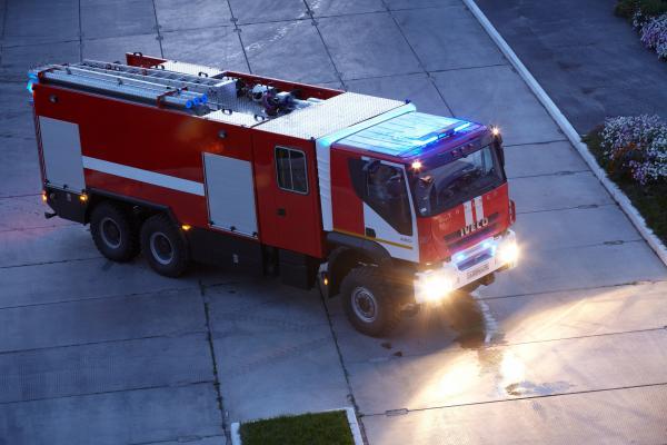 В Петербурге сгорел экскурсионный автобус