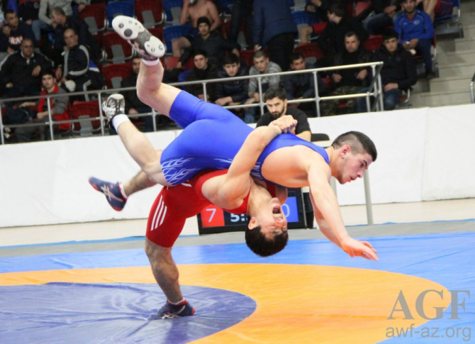 Three Azerbaijani wrestlers reach finals at Olympic Festival