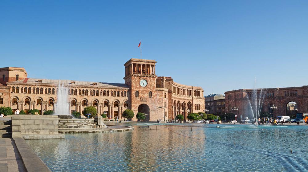Ереван испугался контрреволюции и получил позор