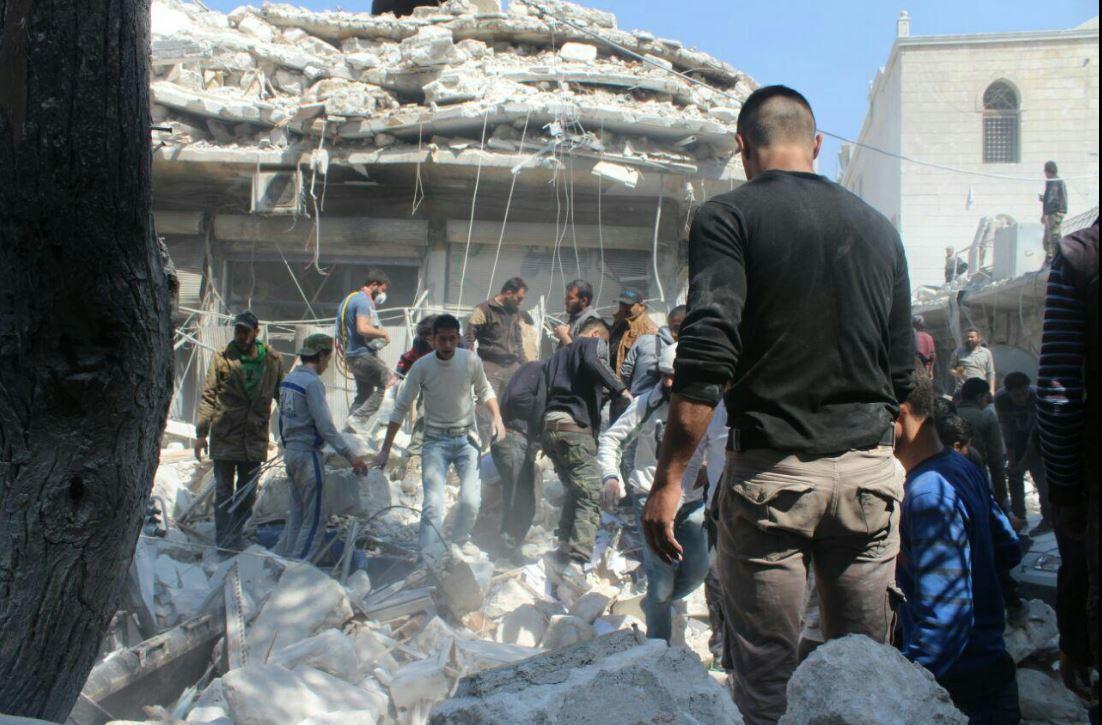 Koalisiya bu kəndi bombaladı: 8 ölü