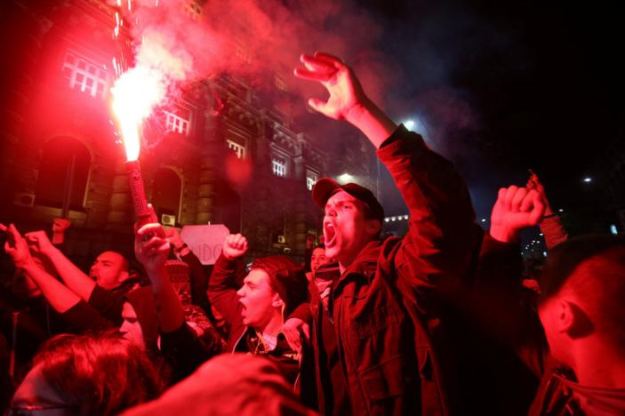 Tens of thousands rally in Belgrade support Serbian President
