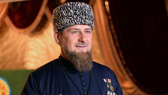 Kadırov Makrona görə Peskovla mübahisə etdi