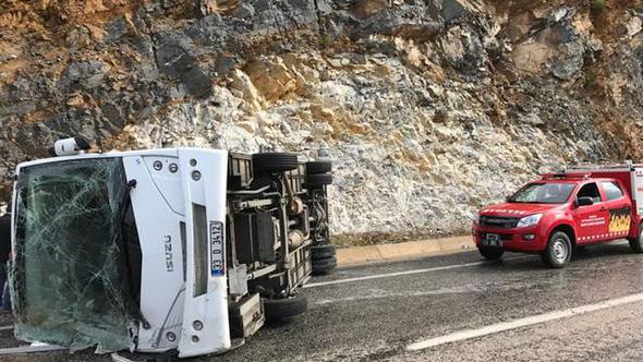 Polis avtobusu aşdı: Ölən və yaralananlar var