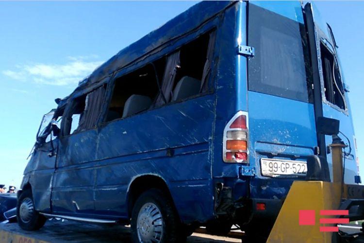 Qazax yolunda 3 mikroavtobus qəzaya uğradı: yaralılar var