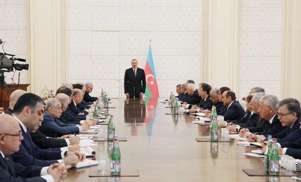 آذربایجانین یئنی باش ناظری بللی اولدو - تعجیلی