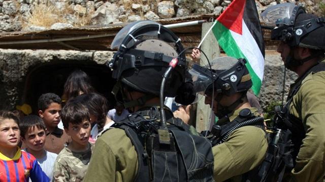 İsrail ordusu 23 fələstinlini saxladı