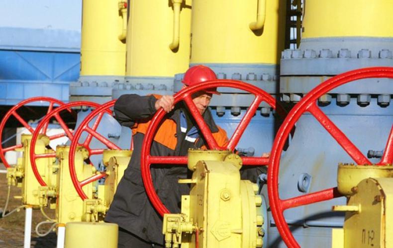 Eye on Iran, U.S. clinches strategic port deal with Oman