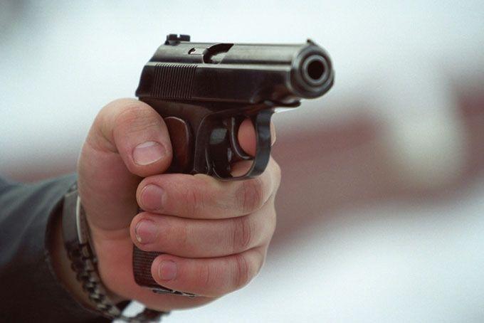 Şəmkirdə silahlı insident: bir nəfər güllələndi