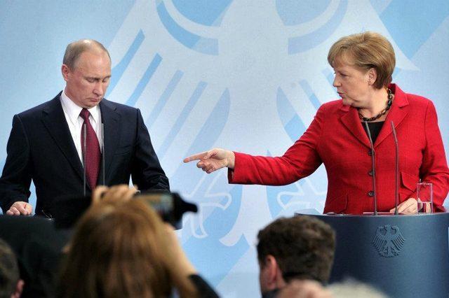 Merkel: Rusiyanın siyasi təcridi dayanmalıdır