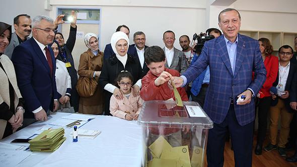 Эрдоган проголосовал на выборах