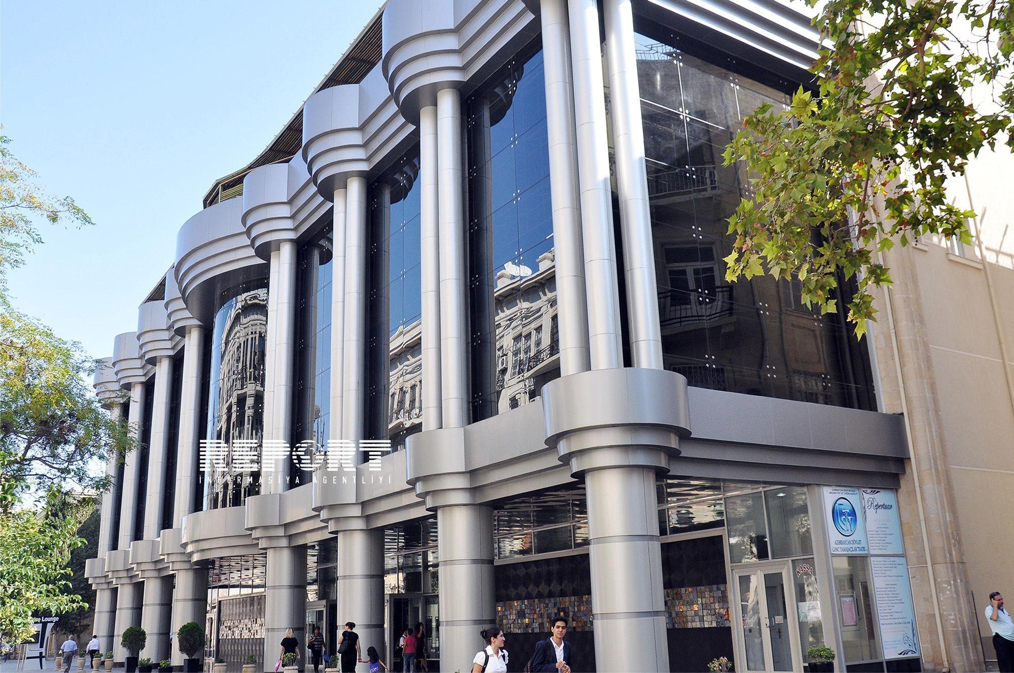 Gənc Tamaşaçılar Teatrının tavanı niyə çökdü?