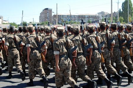 Ermənistanda əsgərlər qiyam etdi: 600 hərbçi...