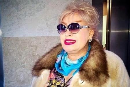 İlhamənin sevimli paltarı girovluqda - Foto